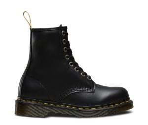 На фото ботинки Dr.Martens 1460 Vegan Black Felix Rub Off