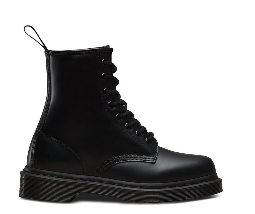 На фото ботинки Dr.Martens 1460 Mono Black Smooth