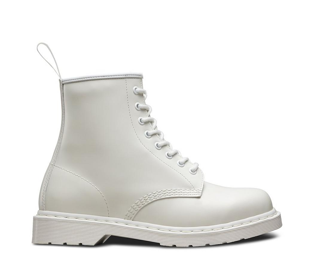 На фото ботинки Dr.Martens 1460 Mono White Smooth