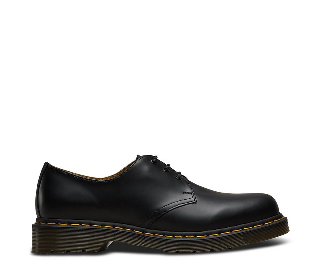 На фото туфли Dr.Martens 1461 Black Smooth