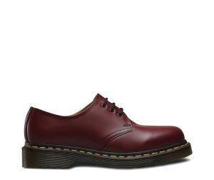 На фото туфли Dr.Martens 1461 Cherry Red Smooth