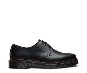 На фото туфли Dr.Martens 1461 Mono Black Smooth