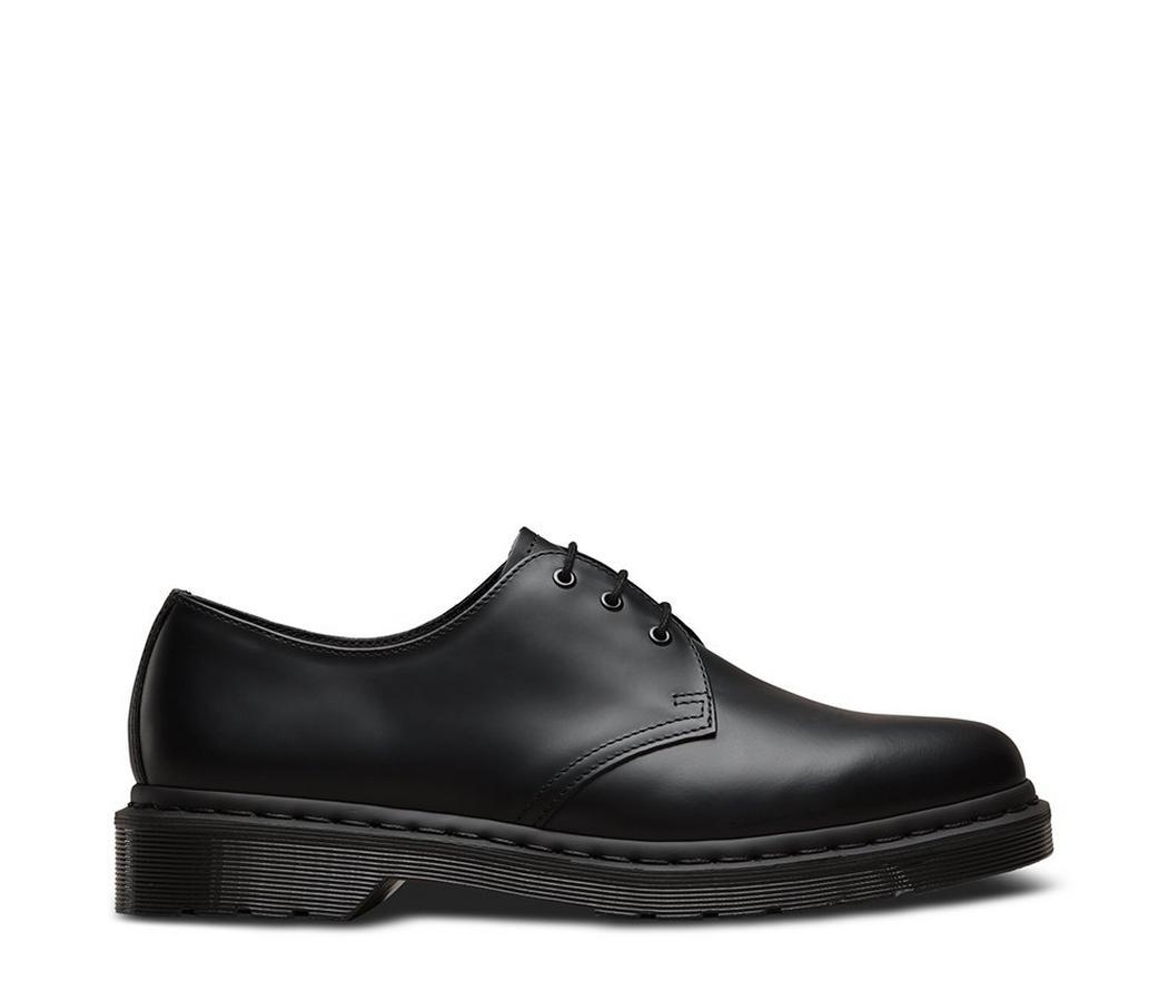 На фото туфли Dr.Martens 1461 Mono Black Smooth
