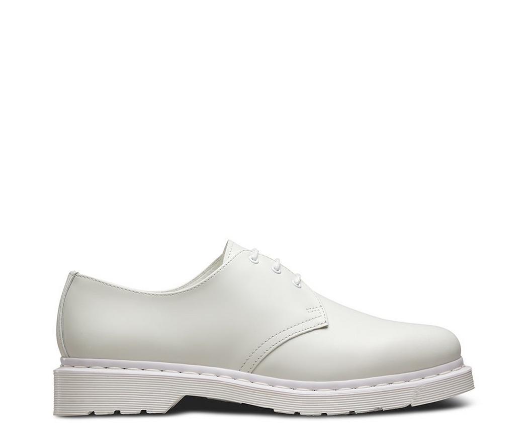На фото туфли Dr.Martens 1461 Mono White Smooth