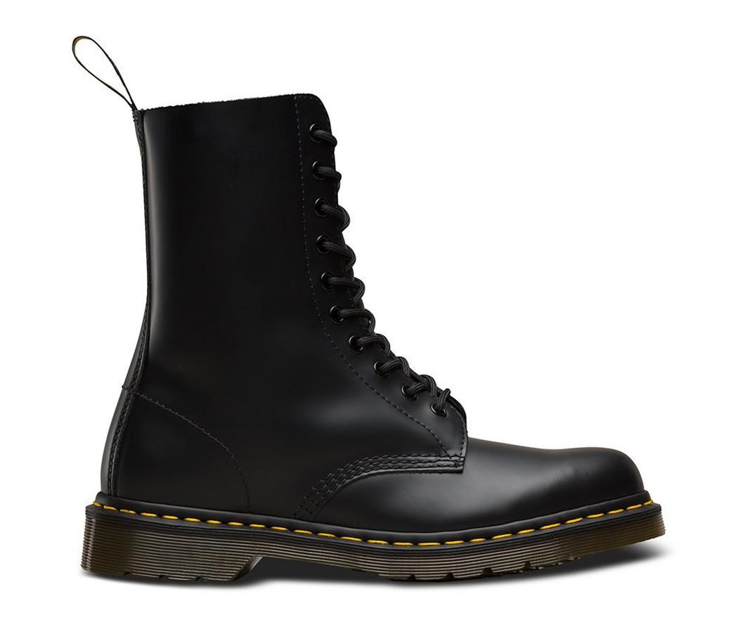 На фото ботинки Dr.Martens 1490 Black Smooth
