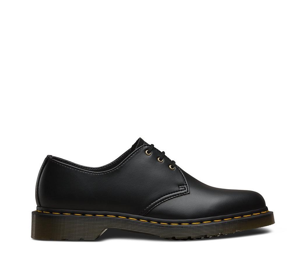 На фото туфли Dr.Martens 1461 Vegan Black Felix Rub Off