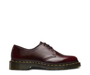 На фото туфли Dr.Martens 1461 Vegan Cherry Red Cambridge Brush