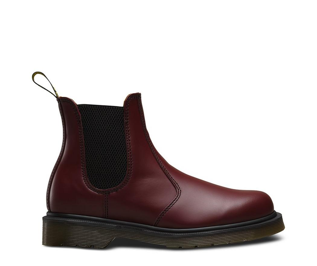 На фото челси Dr.Martens 2976 Cherry Red Smooth