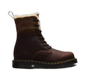 На фото ботинки Dr.Martens Kolbert Wintergrip Dark Brown Snowplow