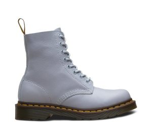 На фото ботинки Dr.Martens Pascal Blue Moon Virginia