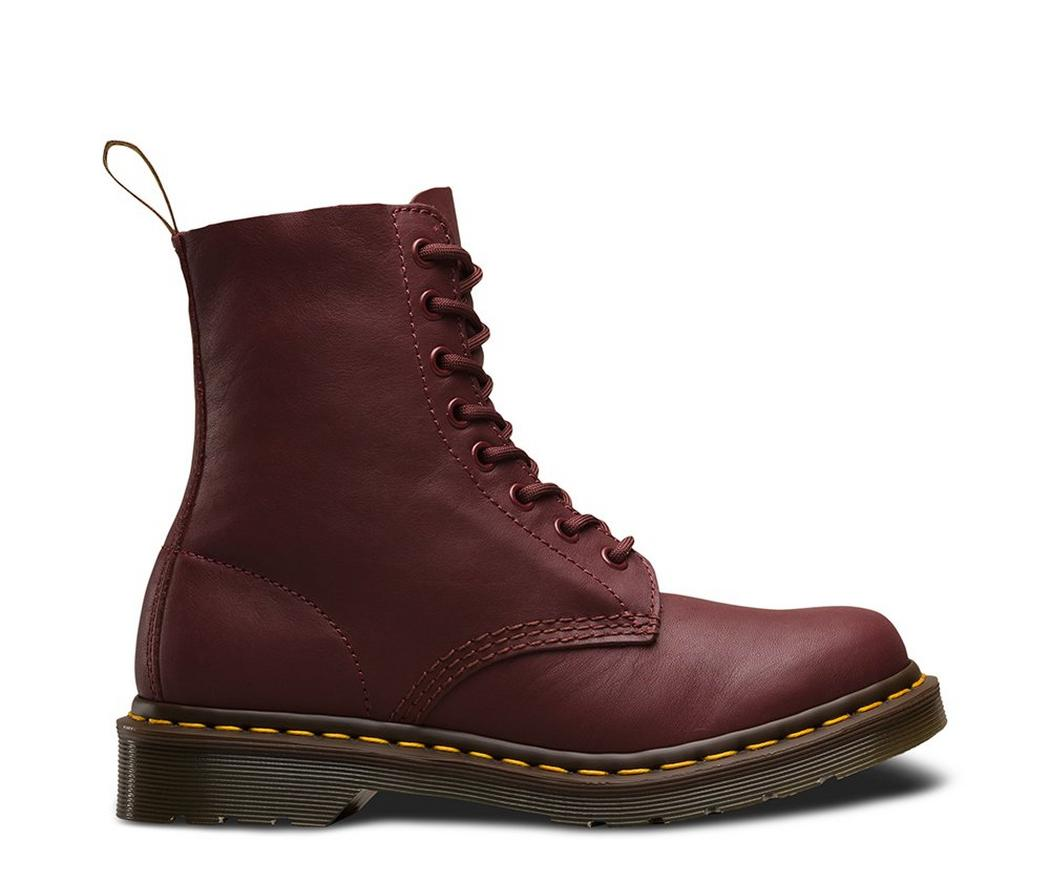 На фото ботинки Dr.Martens Pascal Cherry Red Virginia