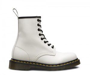 На фото ботинки Dr.Martens 1460 White Smooth